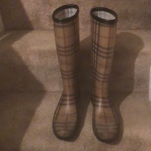 BURBERRY Shoes - BURBERRY/LIKE NEW-RAIN BOOTS/SIGNATURE PATTERN